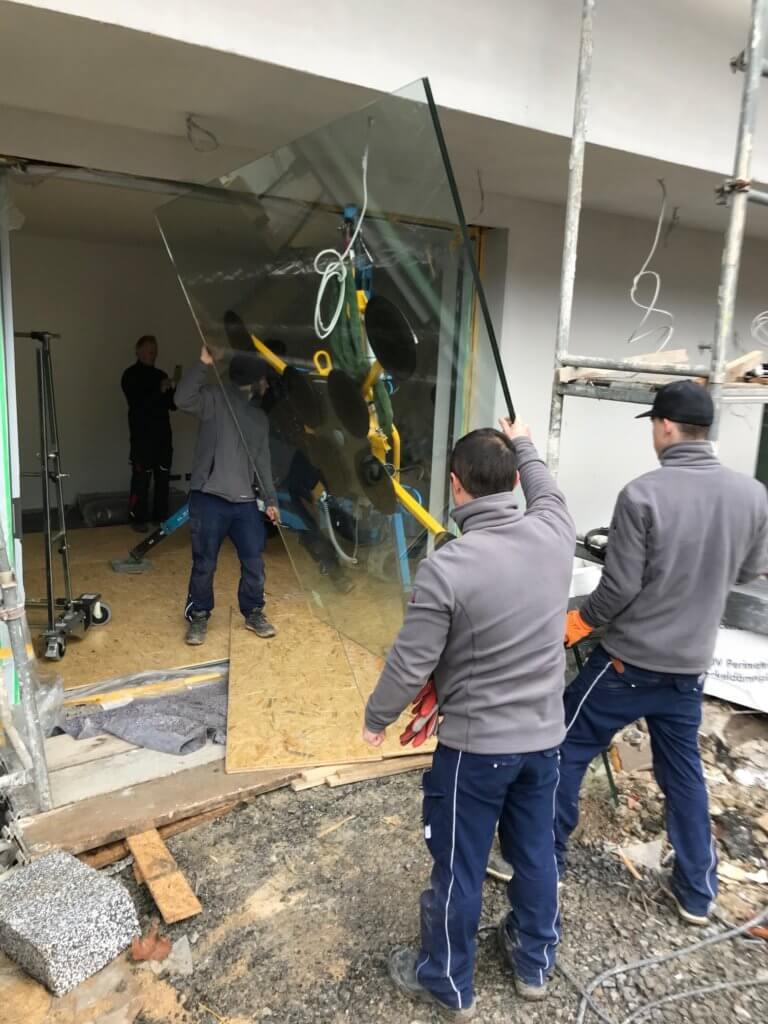 Montage eine Glasscheibe (1) Schlosserei Schad