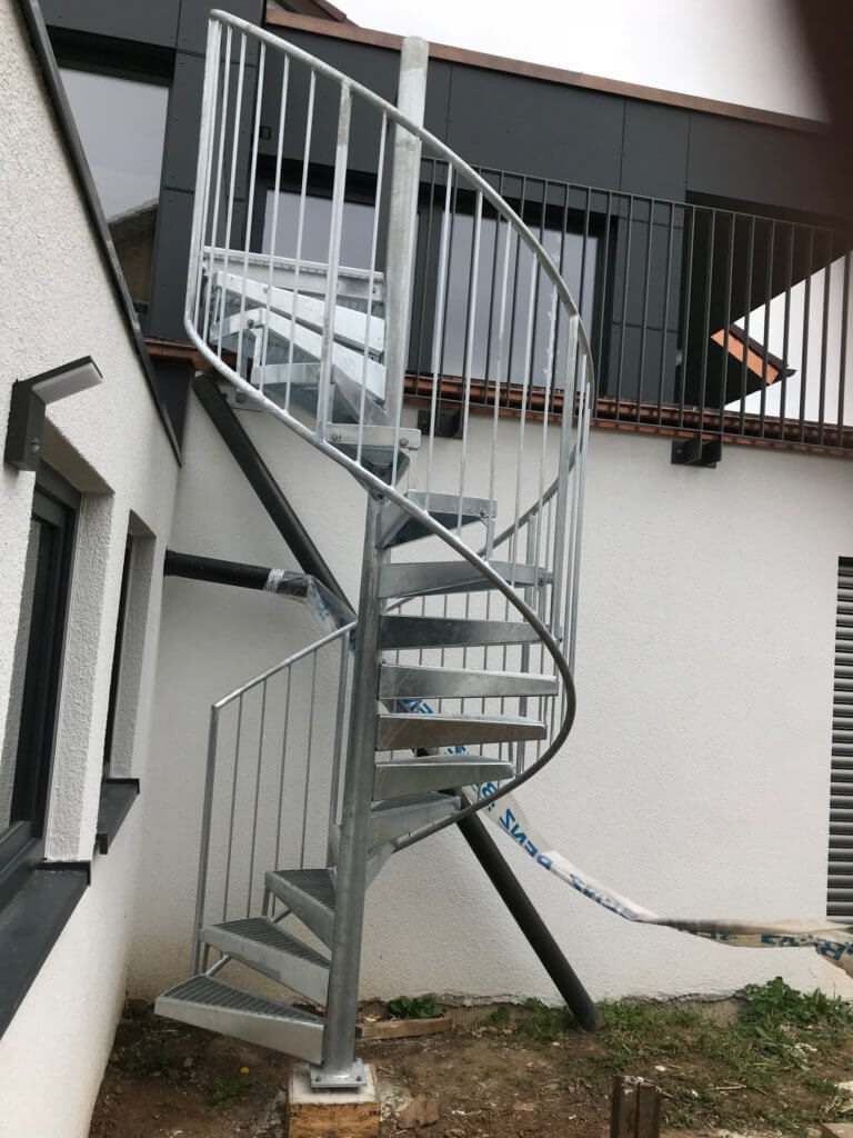 Montage Balkon Zirn Schlosserei Schad (10)